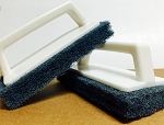 SCRUB PAD WITH HANDLE